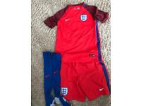 Official England kit 12-13yrs