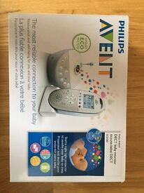 Philips Avent DECT Baby Monitor and Light Projector (SCD 580, RRP: £145)