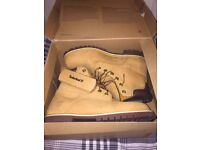 Men's Timberland Boots Size 10, only worn twice (they was to big for me), collection only