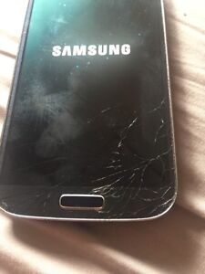 Samsung S4 cracked screen