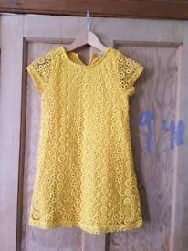 Dress size 9yrs