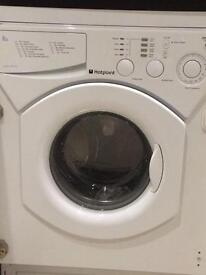 Integrated washing machine Hotpoint MUST GO