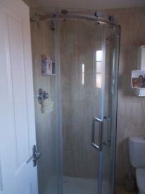 quadrent shower cubicle 900x900 exellent condition