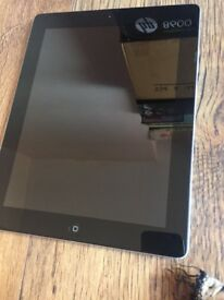 IPAD 4 WITH WIFI AND CELLULAR 16GB WITH CHARGER AND CASES