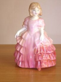 Royal Doulton - ROSE - Figurine pink bone china 12 cms tall No, HN1368 excellent condition