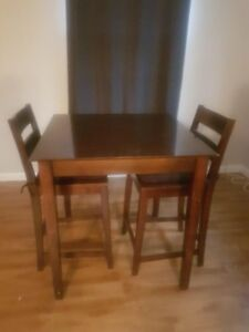 Good quality counter height table and chairs