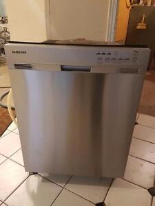 Super beau lave-vaisselle samsung int et ext stainless  Possibilité de livraison