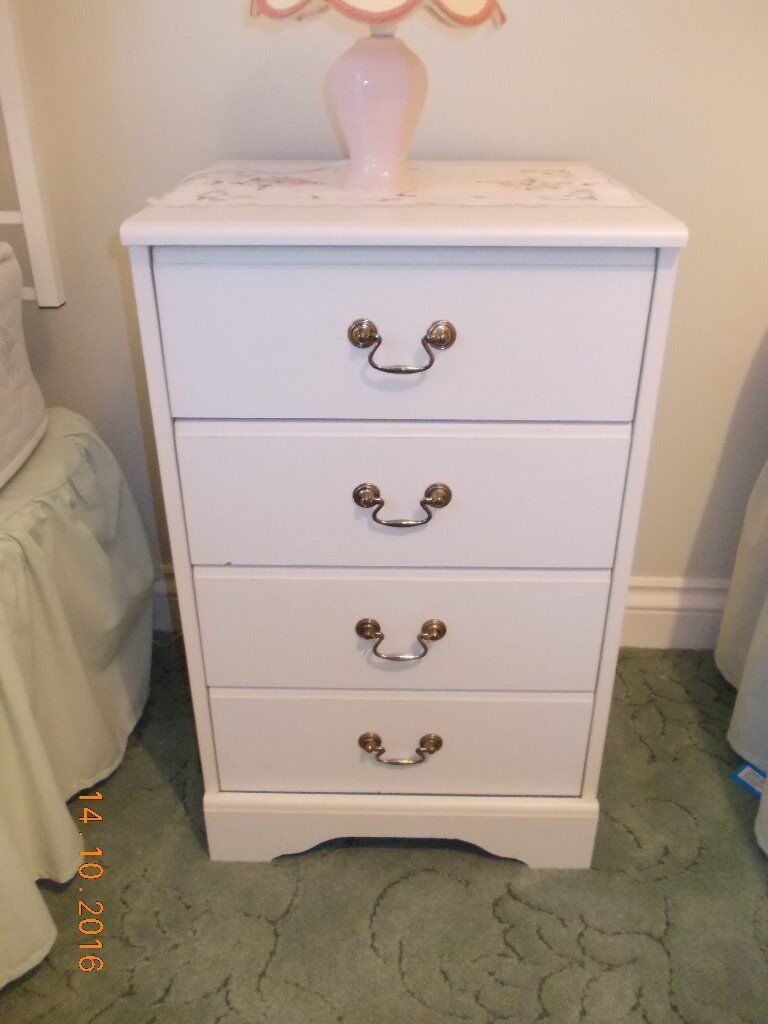 White Chest of Drawers / Bedside Table (4 Drawers)