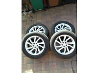 Genuine Land Rover alloy wheels and tyres