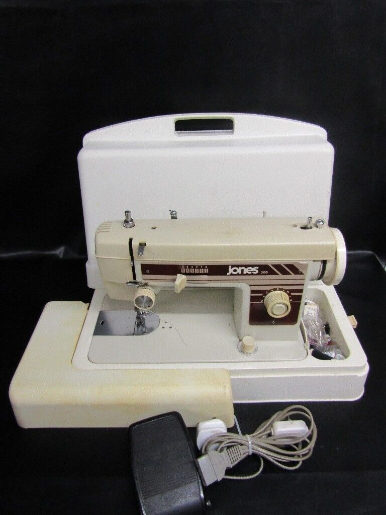 JONES 300 ELECTRIC SEMI INDUSTRIAL SEWING MACHINE WITH