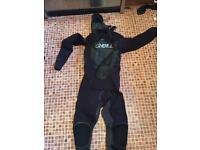O'Neil Mutant wet suit