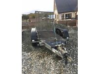 Plant trailer carries up to 2 tons in mint condition