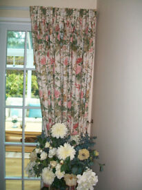 PAIR OF CROWSON FABRIC CURTAINS - ARNADOUR FLORAL PATTERN- FULLY LINED - TRACK INCLUDED