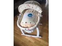 Clair de Lune White Wicker Moses Basket,Deluxe Rocking Stand & New Mattress - Immaculate