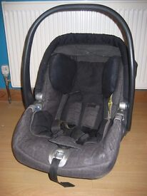 Mamas and Pappas newborn car seat