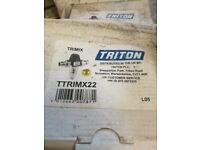 6 x Triton TTRIMX22 mixing valves