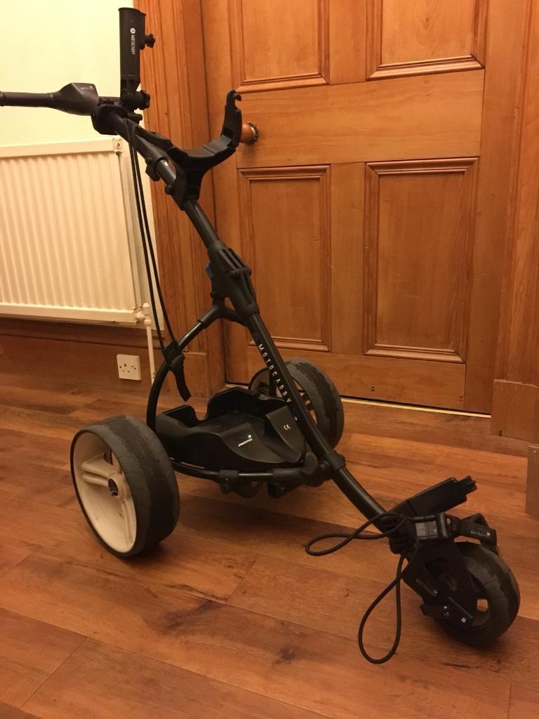 Motocaddy S3 powered golf trolley