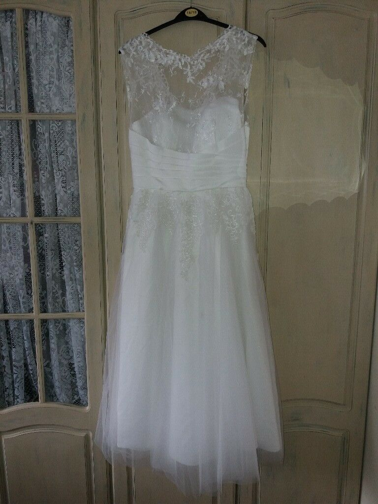 Stunning ankle length ivory wedding dress, size 10-12 approx | in ...