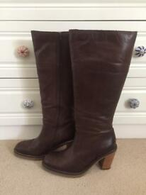 Leather boots size 42