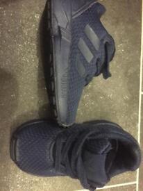Adidas torsion infant size 4