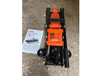 Halfords 2 Tonne Low Profile Hydraulic Trolley Jack