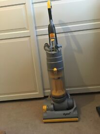 Dyson 04 upright cleaner