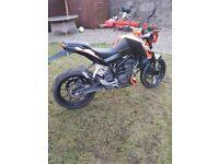 Ktm duke 125cc 2012 very low miles full mot