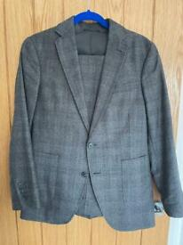 Grey Checked Woolen Suit Jacket (UK34) and Trousers (30S) Used Twice by Cinque.