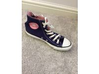 Converse high tops size 5 excellent condition barely worn