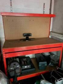 Work bench /storage