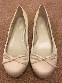 Wedding shoes - flat, ivory, size 7.