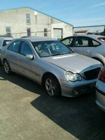 2004 Mercedes c220 avantgde 2.2 diesel for breaking only all parts available