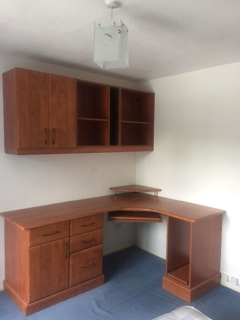 Fitted Desk and shelving rack20 just dismantle and takein Lewisham, LondonGumtree - Made to measure desk and shelving as per pictures. Very good quality, still fitted as in pictures so if you can dismantle from wall, its yours for £20