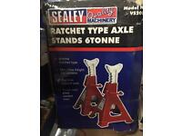 Sealy ratchet type axel stand 6 tonne (brand new)