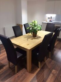 Solid Oak Table - 6 Leather Chairs - Extender (Excellent Condition)