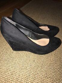 Ladies Black wedge shoes size 5