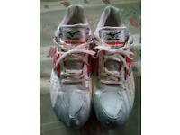 Mizuno Running Track and Field Spike Shoes Size 11