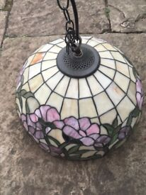 Ceiling lamp mother of pearl vintage in great condition.