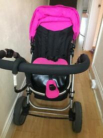 Very good condition pushchair and Carrycot 1 year old
