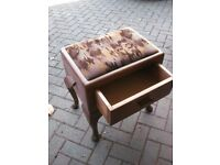 Piano stool with Draw