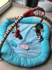Pingu baby play gym/activity mat
