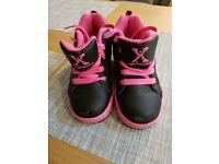 Heelies Black & Pink Size 13