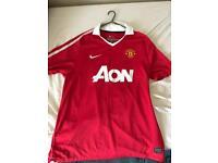 Man Utd shirt size L