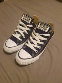 Converse size 3