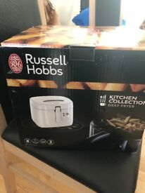 Russell Hobbs deep fryer/chip pan bnib