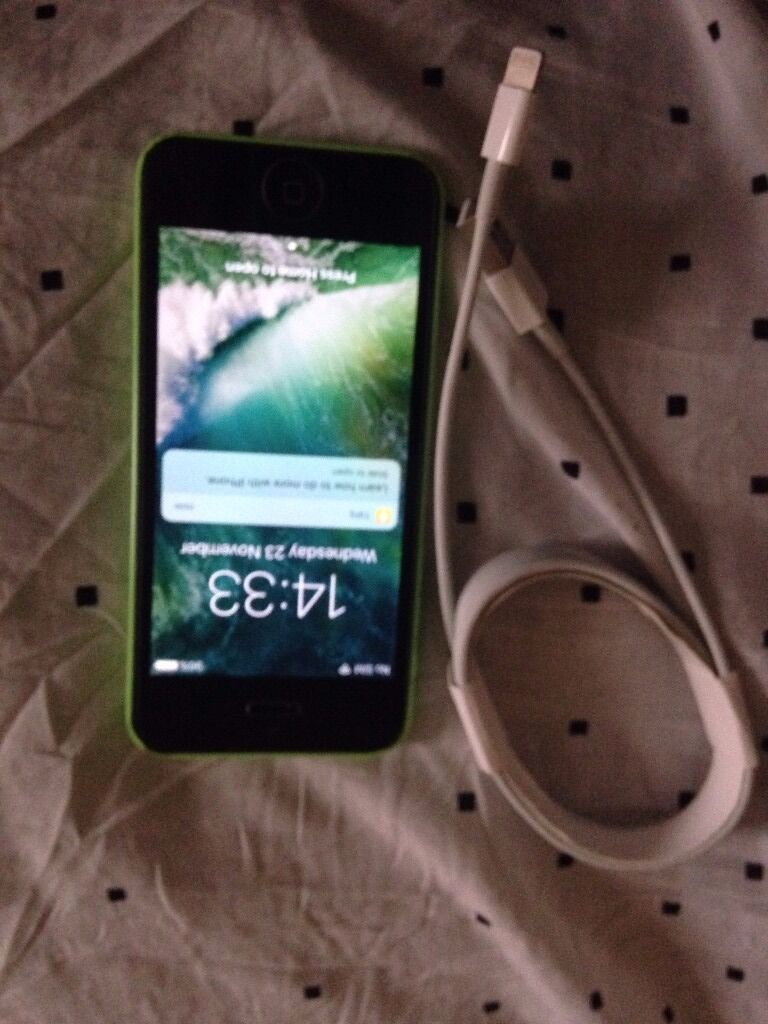 iphone 5c Green EE 8gb with box