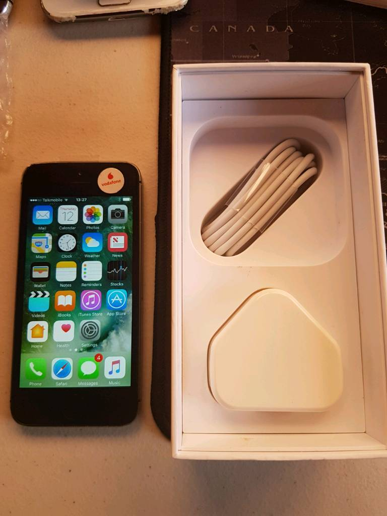 iphone 5S - VODA - brand new screen and new charger in box