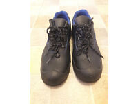 Mens safety shoes - size 11