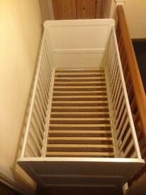 Fantastic White Wood Cot Bed! Will deliver and assemble!