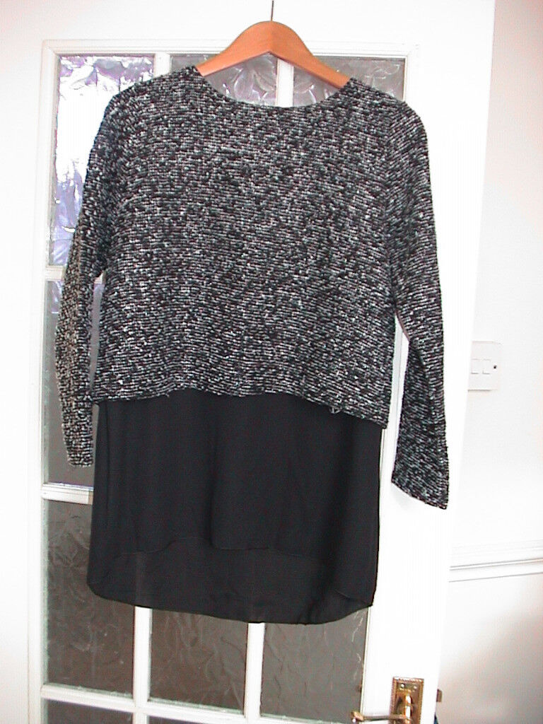 Stylish ladies jumper as new condition.